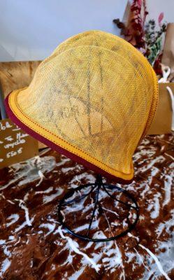 Le Chapeau Cloche Ocre et Bordeaux - Alice au pays de mes rêves